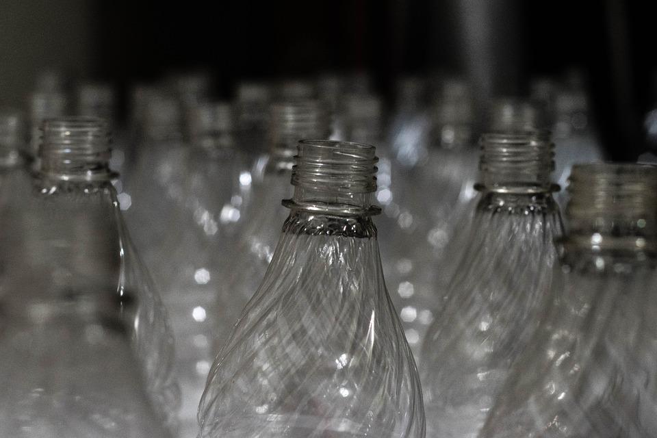¿Se hará realidad la tendencia de las botellas para vino de plástico?