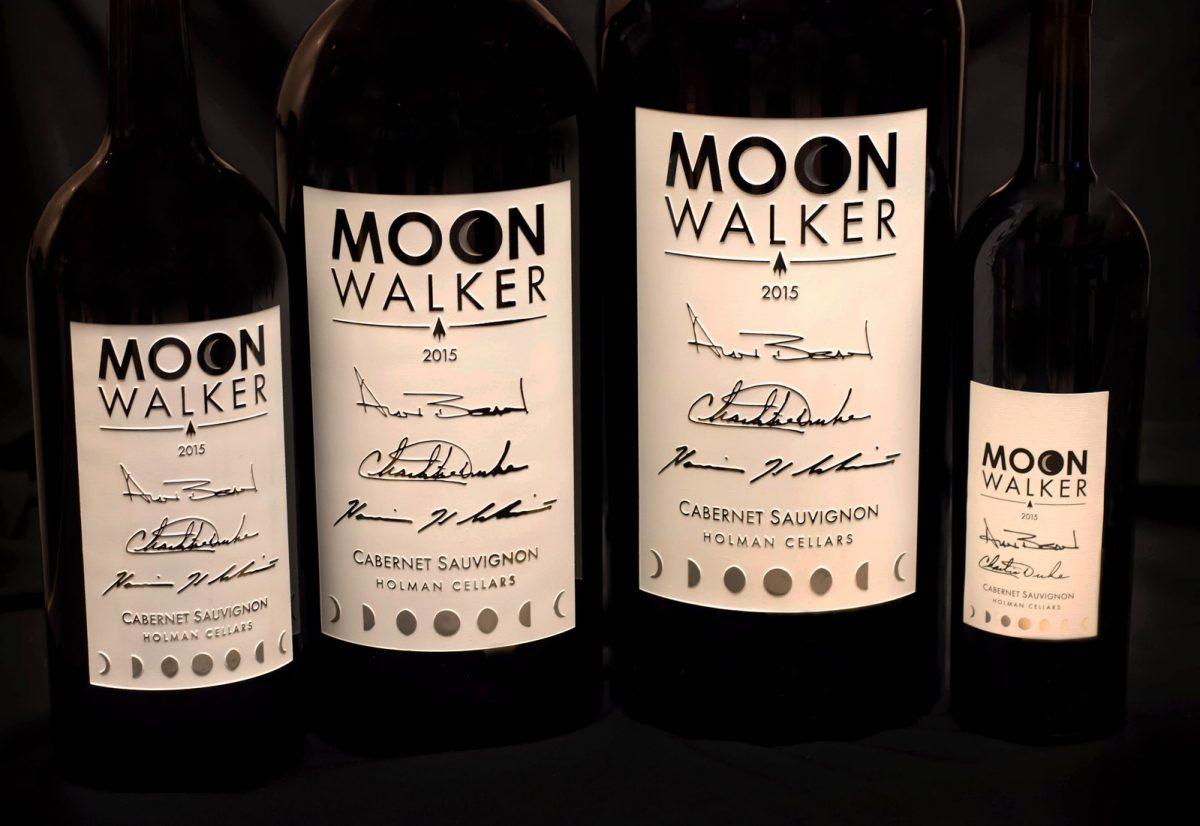 Moonwalker, vino boutique con la firma de tres astronautas que pisaron la luna
