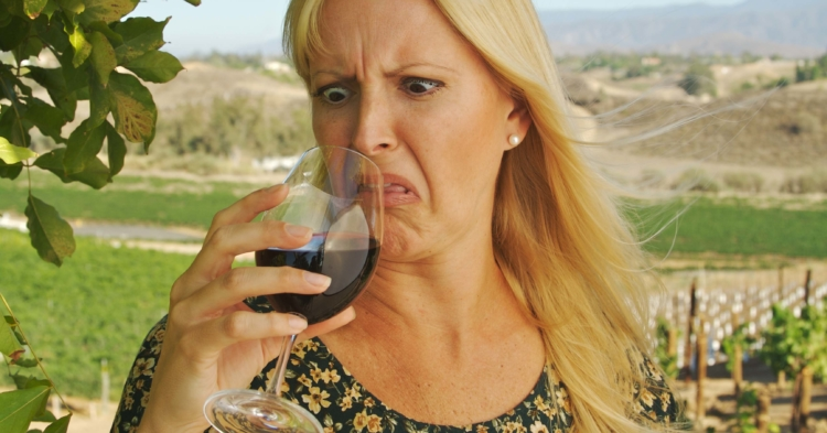 Cuando puedes devolver una botella de vino en un restaurante y cuando no