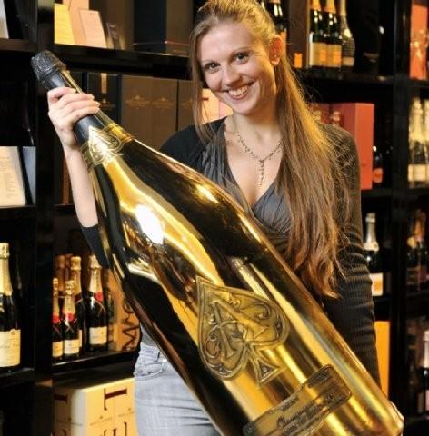 La botella de champagne más grande del mundo